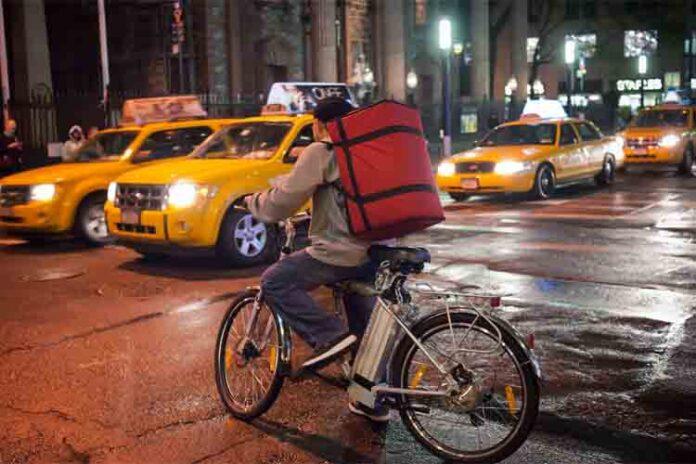 La lucha de los trabajadores continúa en Nueva York mientras la ley de California avanza