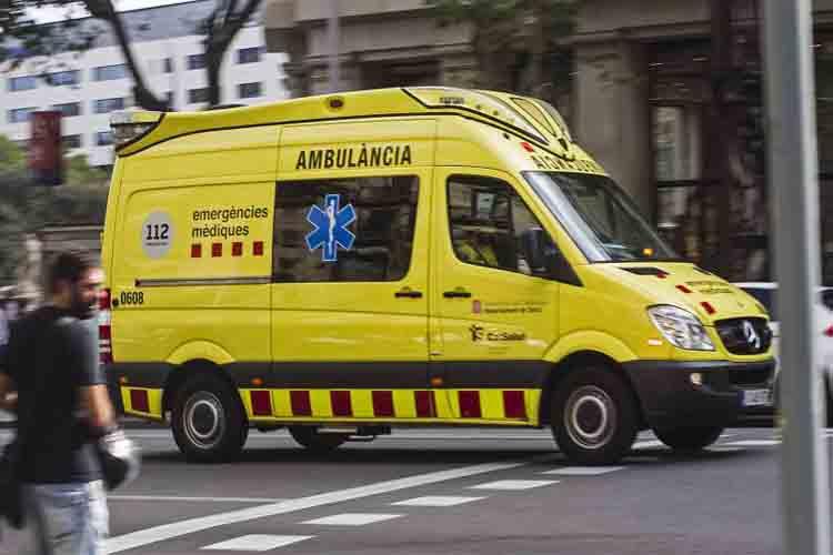 Muere mientras cargaba un camión en La Pobla de Claramunt (Barcelona)