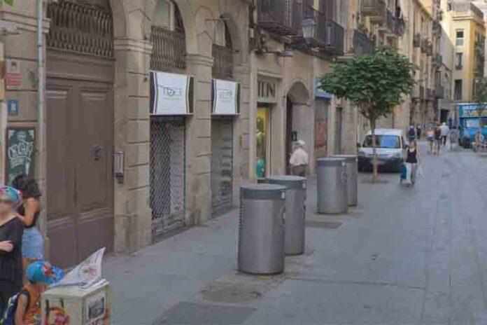 Un joven herido por apuñalamiento en Ciutat Vella de Barcelona
