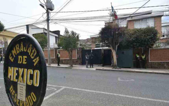 Bolivia acusa a España de 'atropellos' a su soberanía por un incidente en la Embajada de México