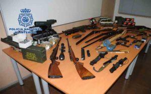 Intervenido en Martorell (Barcelona) un depósito de armas de guerra y municiones