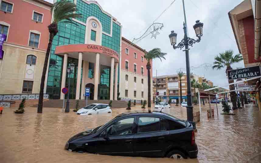La DANA se desplaza hacia Cataluña después de dejar más de cien evacuados en Murcia