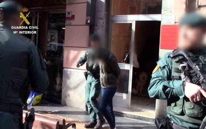 La Guardia Civil y la Policía Italiana liberan a 12 mujeres víctimas de explotación sexual