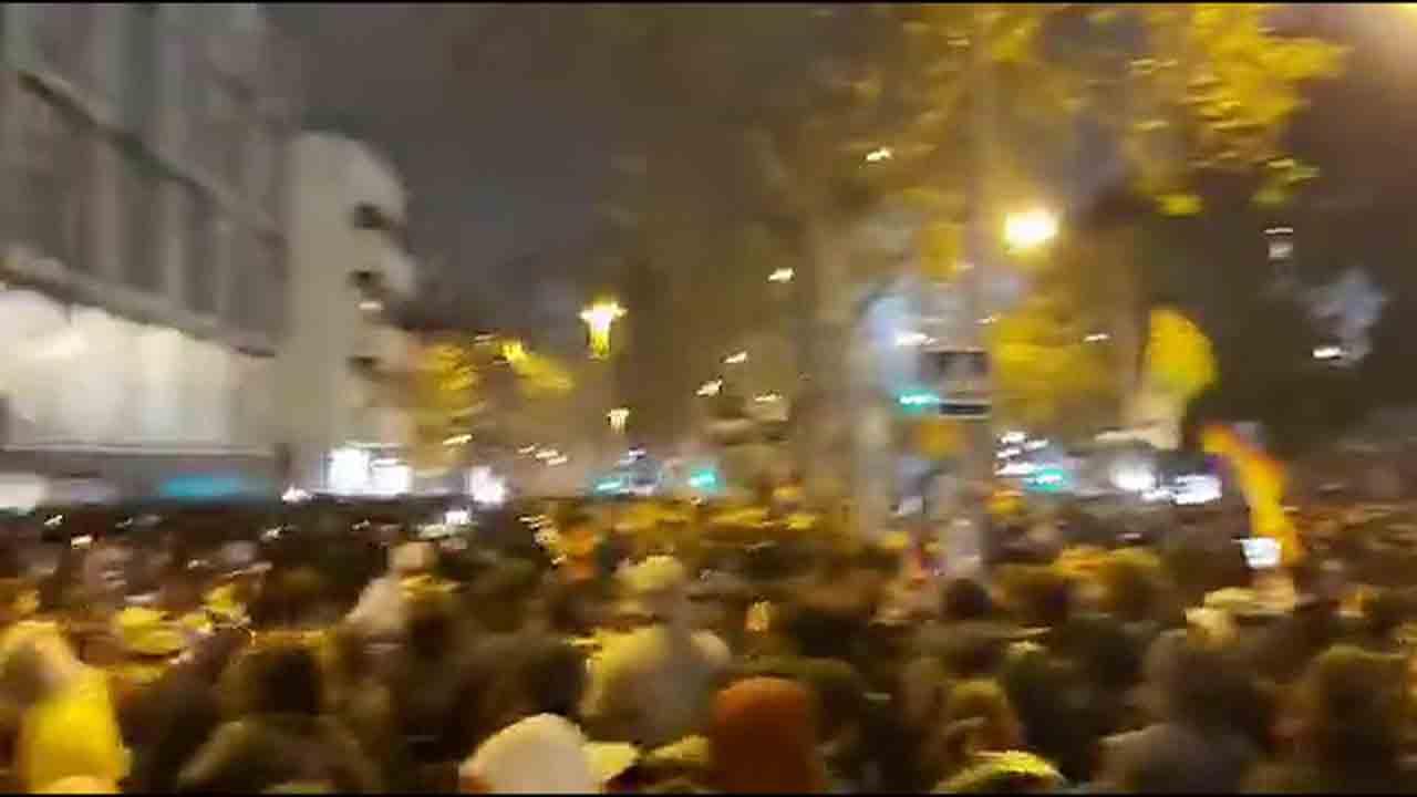 Protestas, disturbios y detenidos en los alrededores del Camp Nou