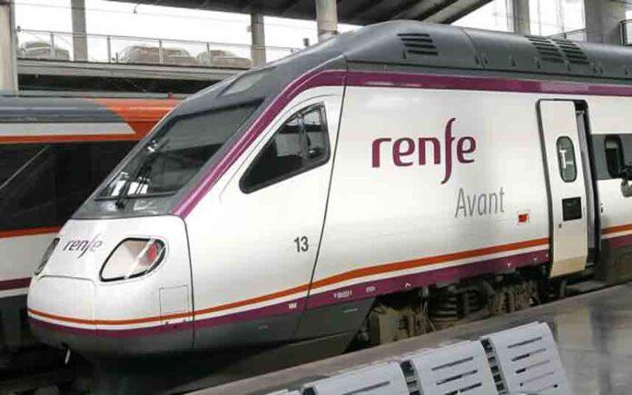 Renfe cancela 155 trenes coincidiedo con el puente de la Constitución