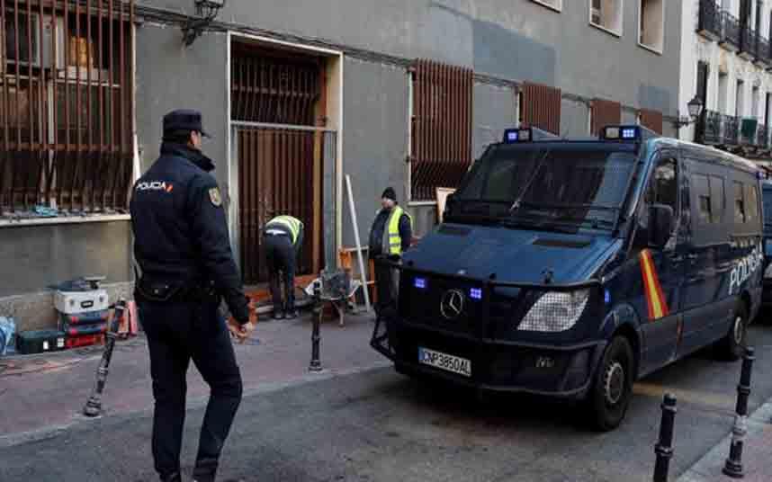La Policía Nacional desaloja a los neonazis de Hogar Social en Madrid