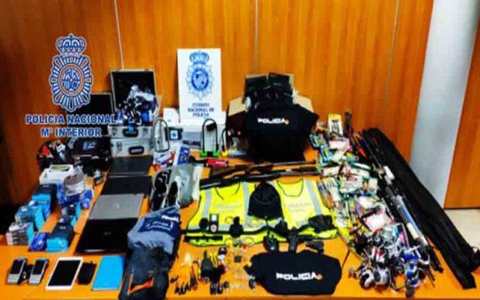 La Policía Nacional desarticula un grupo de falsos policías que asaltaba establecimientos