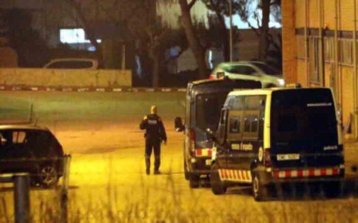 Los Mossos registran las instalaciones de IQOXE tras la explosión del martes