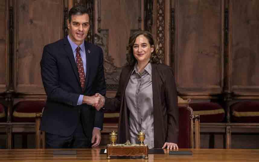 Acuerdo entre Pedro Sánchez y Ada Colau para regular los alquileres