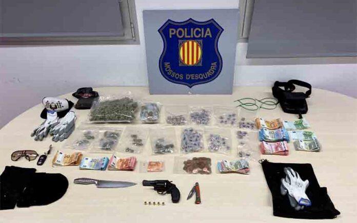 Detenidos tres ladrones en Barcelona cuando asaltaban una asociación cannábica