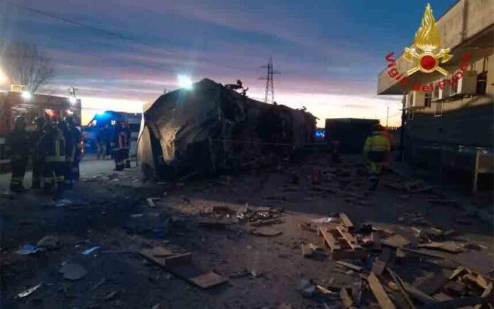 Dos muertos y treinta heridos en un accidente de tren cerca de Milán