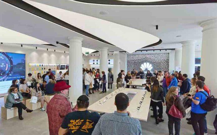 Huawei estrena en Barcelona su segunda tienda más grande de Europa