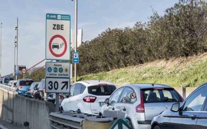 Los vehículos más contaminantes en Barcelona se reducen un 50% desde 2017
