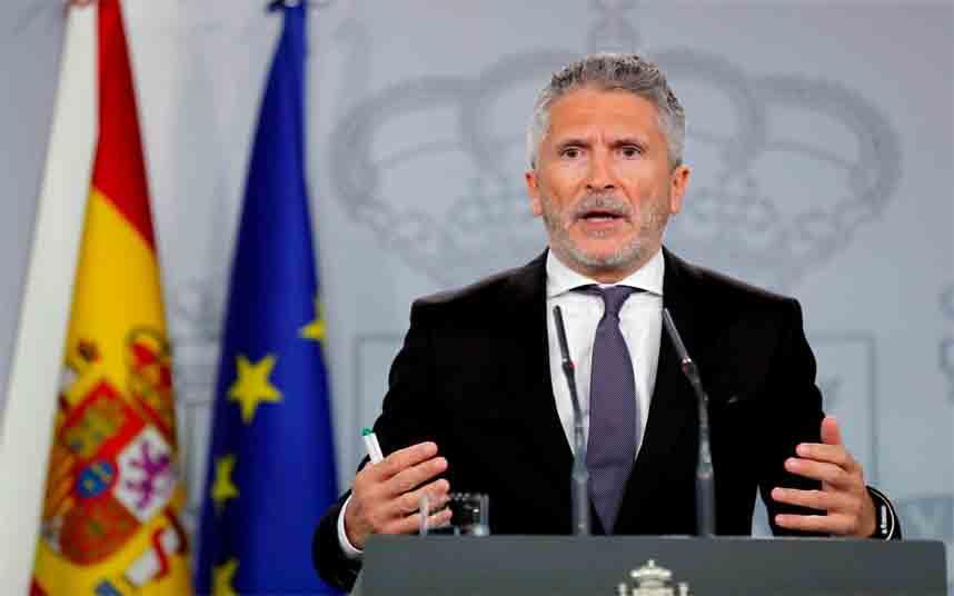 España cierra las fronteras terrestres a partir de la medianoche