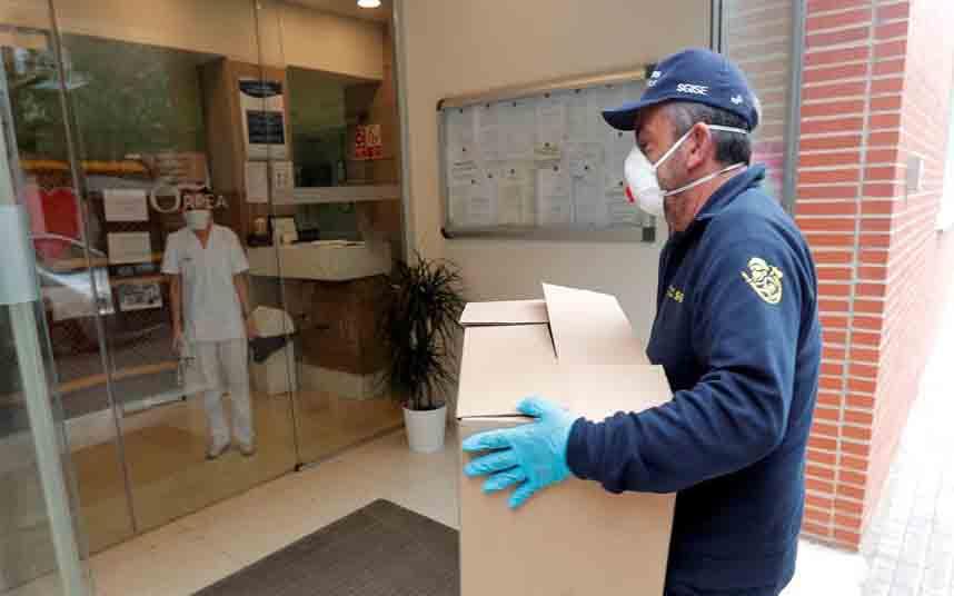 España subre a 4858 fallecidos por coronavirus, con 769 muertes en 24 horas