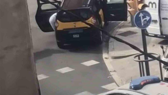 Fallece un hombre dentro de un taxi en Hospitalet de Llobregat (Barcelona)