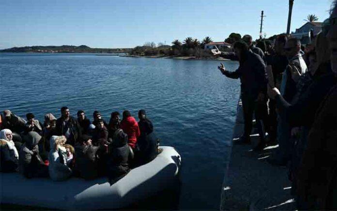 Grupos griegos de ultraderecha atacan a las ONG en Lesbos