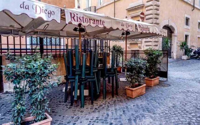 Italia cierra todo, excepto las farmacias y supermercados