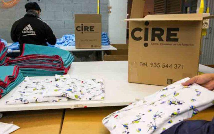 Las prisiones de Catalunya fabricarán 32000 uniformes para los hospitales por la crisis