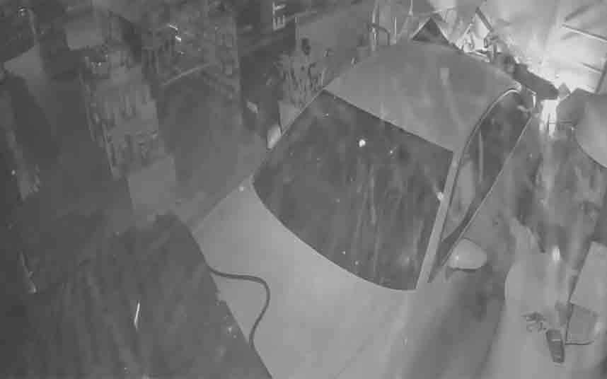 Dos hombres robaban en establecimientos esenciales durante el confinamiento