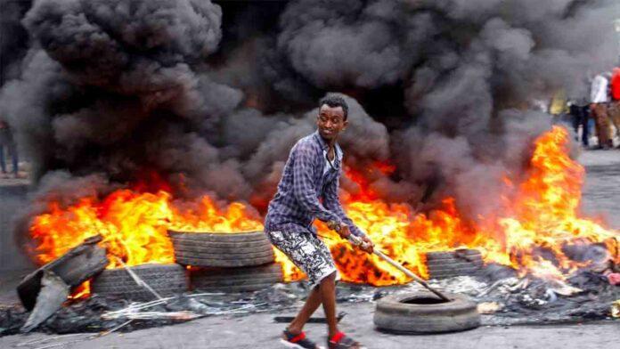 Fuertes disturbios en Somalia: La policía mata a dos personas por saltarse la cuarentena