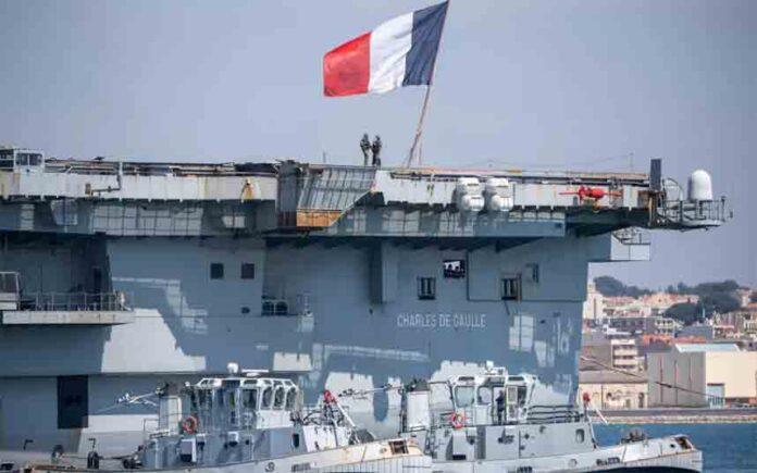 Ponen en cuarentena un portaviones francés por el coronavirus