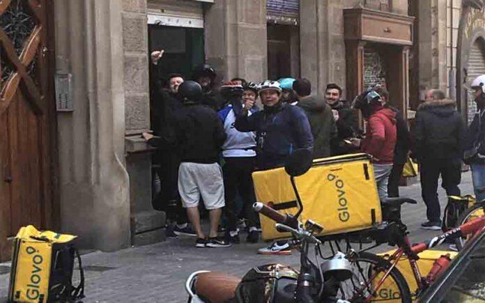UGT denuncia a Glovo, Deliveroo, Uber Eats y Amazon por no proteger a sus trabajadores