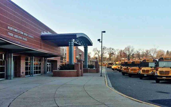Una maestra de español de Maryland, segunda víctima del coronavirus de su escuela