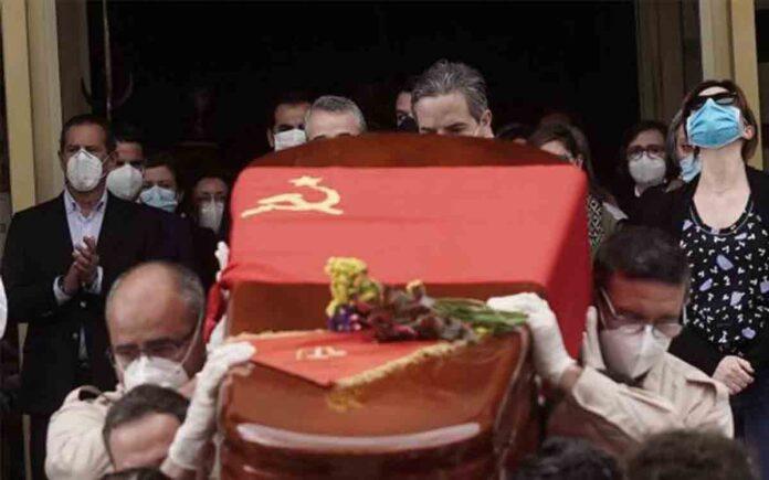 Córdoba despide a Julio Anguita con emotivos aplausos