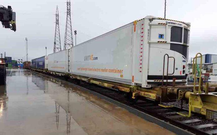 Los supermercados de Londres se abastecen con trenes que llegan de España