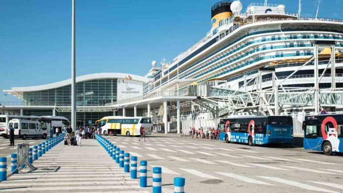 De momento no entrarán cruceros turísticos en los puertos españoles