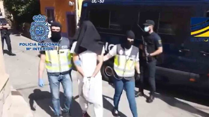 Detenida en Almería una anarco terrorista buscada en Italia por un atentado