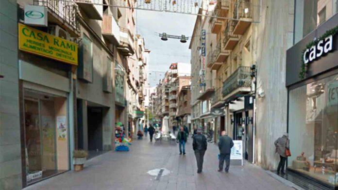 Dos detenidos en Lleida por una agresión homófoba a una pareja en la terraza de un bar