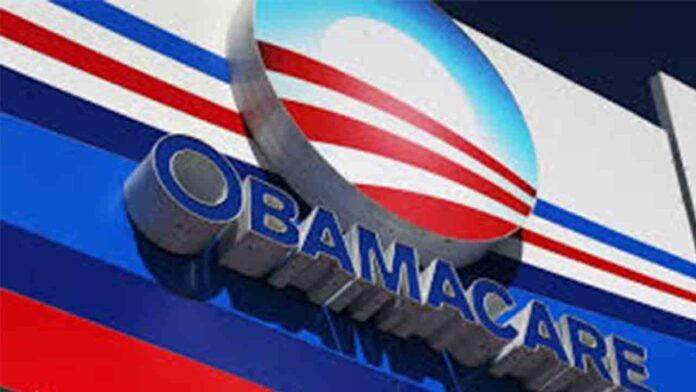 En plena pandemia, Trump pide a la Corte Suprema que derogue la Ley Obamacare