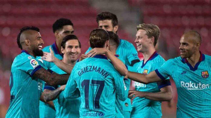 La victoria del Barça por 4-0 en Mallorca presenta a Messi y al invasor de campo