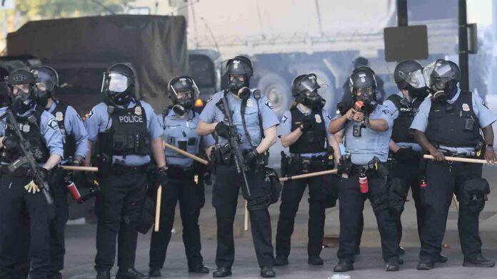 Minneapolis planea desmantelar el departamento de policía