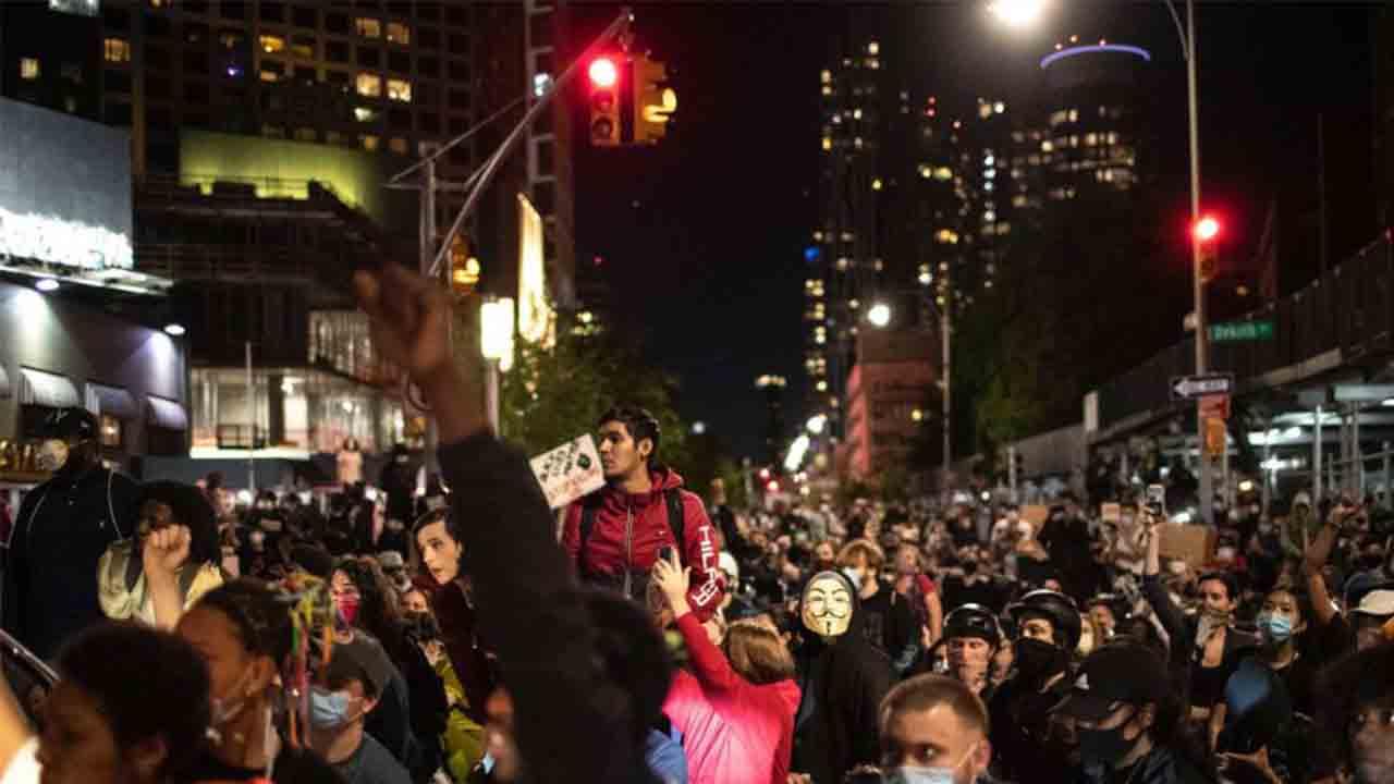 Sexta noche de protestas en EE.UU. por el asesinato de George Floyd
