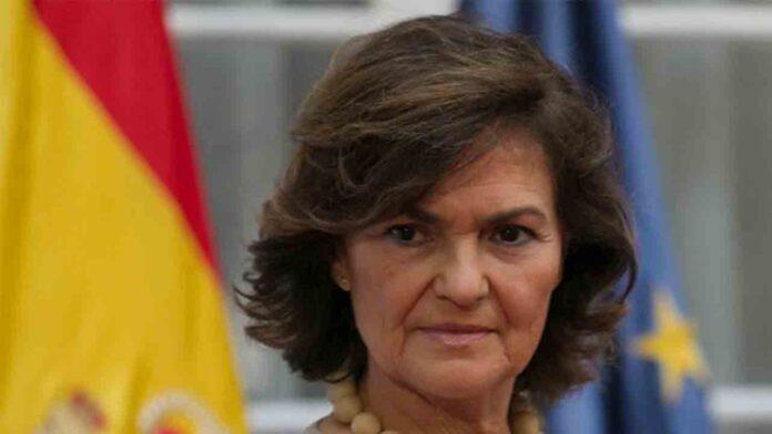 Carmen Calvo anula su viaje a París, donde tenía previsto reunirse con el primer ministro