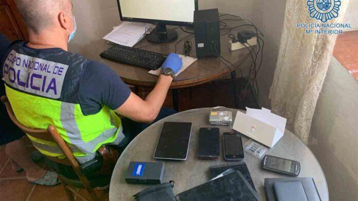 Detenido un hombre por corrupción de menores a través de las redes sociales
