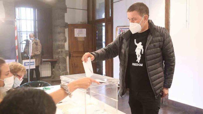 El PNV gana las elecciones en Euskadi, a pesar de perder 50.000 votos
