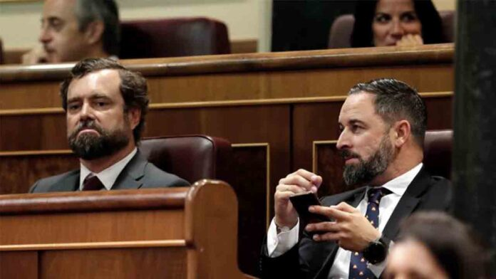 Espinosa de los Monteros y Abascal cobraron sueldos del exilio iraní durante ocho meses