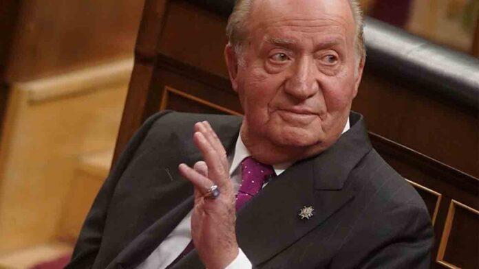 Juan Carlos pasaba dinero de Suiza a la Zarzuela por el aeropuerto de Barajas