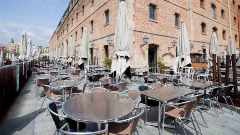 La Generalitat limita el aforo en los bares de Barcelona por la propagación del Covid-19