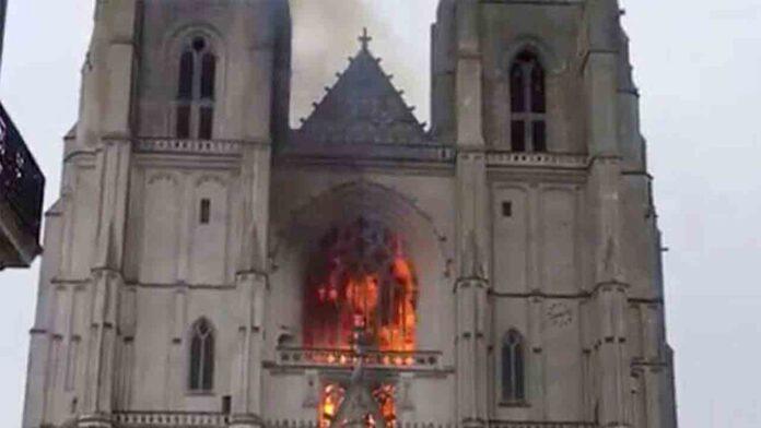 La policía francesa libera al detenido por el incendio de la Catedral de Nantes