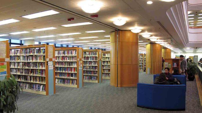Libros de activistas en favor de la democracia desaparecen de la biblioteca
