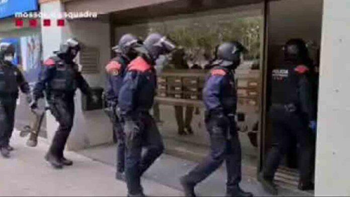 Operación en Barcelona contra un grupo que alquilaba pisos y los realquilaba a turistas