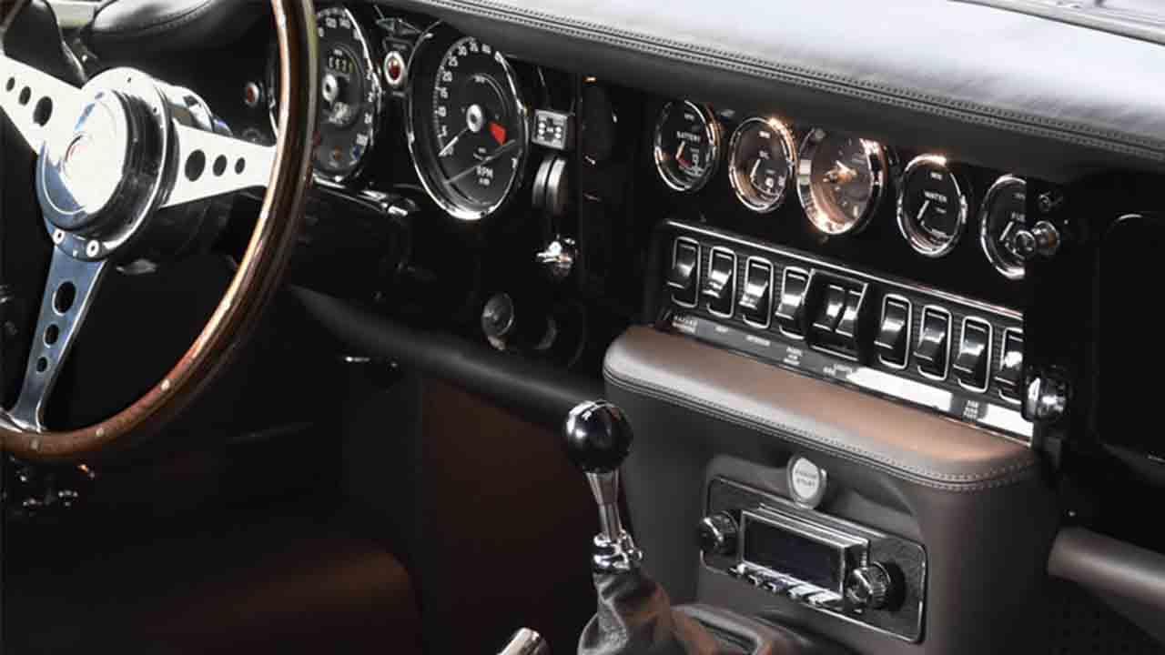Un Jaguar E-Type adaptado a los tiempos de ahora