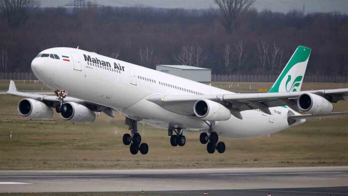 Varios pasajeros heridos en un vuelo iraní, por evitar la colisión con un F15 de EE.UU.