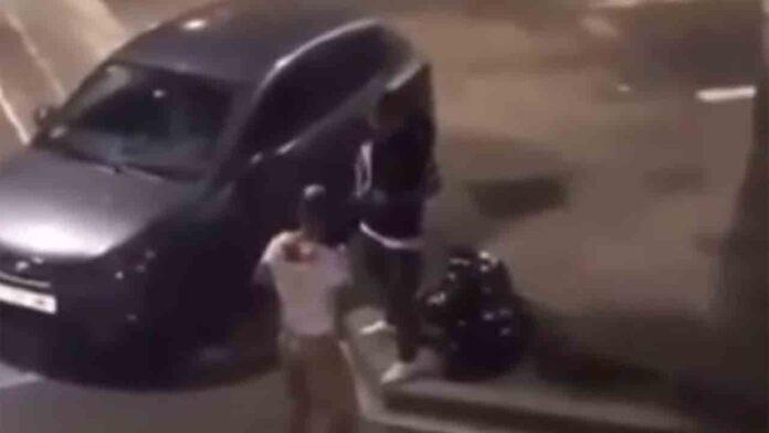 Detenido un hombre en Barcelona por agredir violentamente a dos mossos