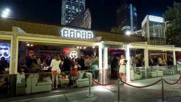 El TSJC levanta el cierre obligatorio de medianoche a los bares y restaurantes
